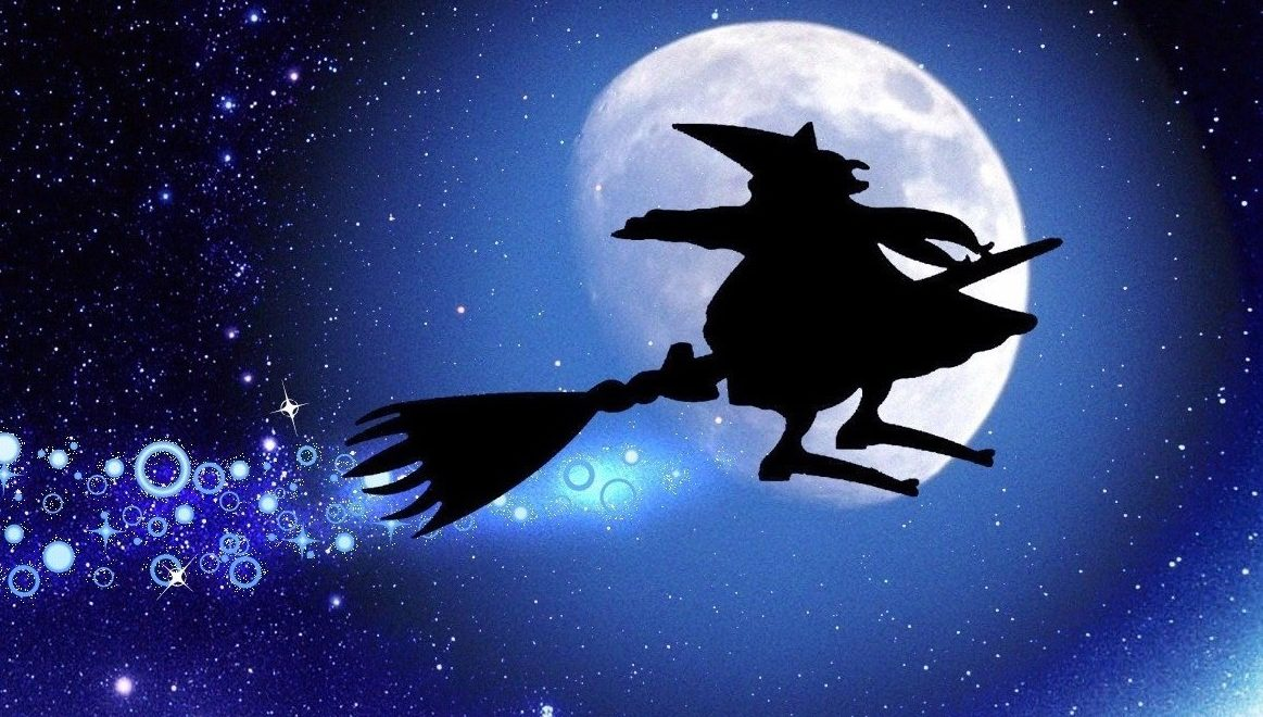 auguri-befana-2017-frasi-immagini-video-app-iphone-e-cellulari-android-per-spedire-auguri-whatsapp-facebook-sms